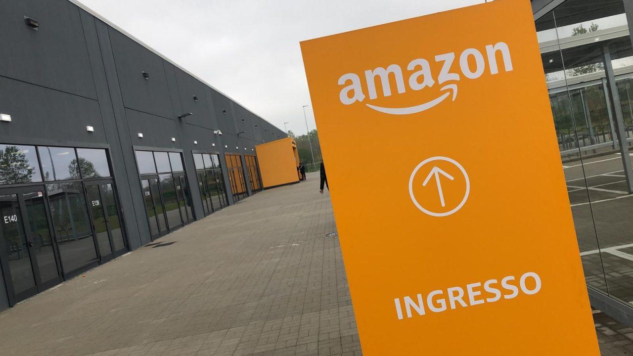 Amazon, recruitment day domani, lunedì 15 aprile 2019, nel salone polivalente di Torrazza Piemonte. Un evento che arriva dopo l'inaugurazione di giovedì scorso del polo.
