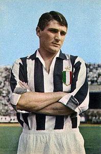 Con la divisa della Juventus
