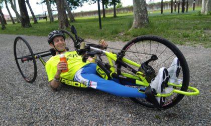 Partecipa alla tappa di Chivasso del Giro d'Italia con la handbike
