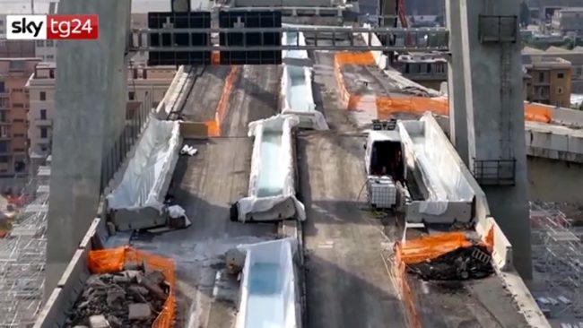 Ponte Morandi: domani la demolizione, 3400 evacuati e autostrada chiusa