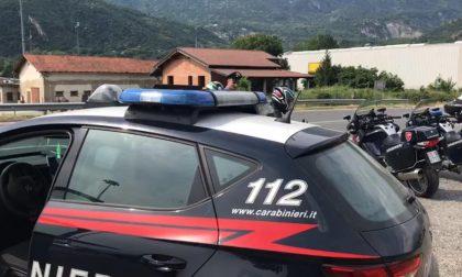 Tenta di gettarsi dal cavalcavia, salvato dai Carabinieri