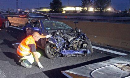Terribile incidente in autostrada a Settimo, due morti LE FOTO