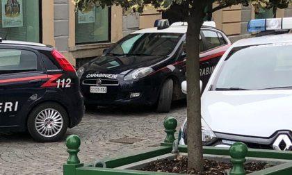 Furti sulle auto in sosta, arrestati due chivassesi