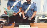 Gli ordini della droga davanti alla stazione, due pusher arrestati