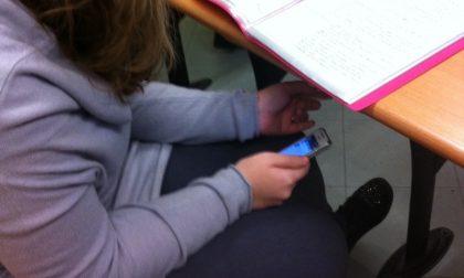 Filmano la prof in classe e mettono il video sui social