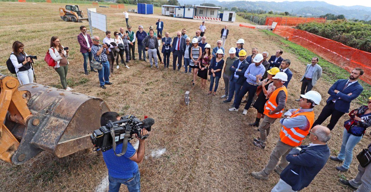 Settimo Torinese, palazzetto dello sport, inizio lavori posa prima pietra