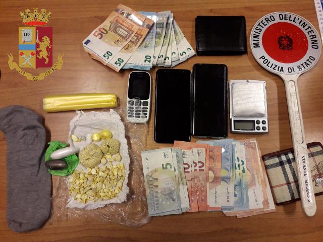 arrestato irregolare Polizia di Stato Torino, droga crack contanti