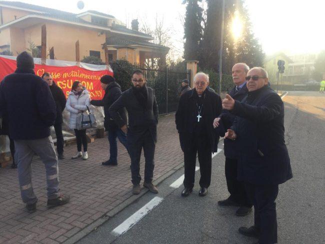 Crisi Martor: l'arcivescovo Nosiglia vicino ai lavoratori