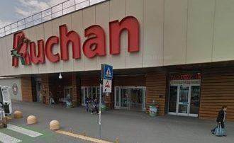 Auchan Tavoli Da Esterno.Ex Dipendenti Auchan Firmata La Cassa Integrazione Prima Chivasso