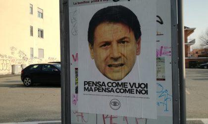 Manifesti contro il premier Conte affissi a Settimo
