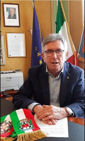 Chivasso non è ancora Covid free. Il sindaco Claudio Castello informa che in città ci sono ancora 11 persone positive a casa in quarantena.