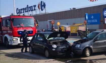 Incidente nel parcheggio del Carrefour: una persona ferita