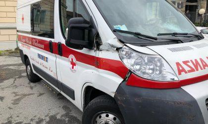 Ambulanza precipita dalla rampa dell'ospedale di Chivasso LE FOTO