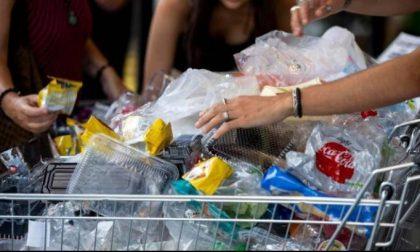 Riciclando la plastica si hanno anche sconti
