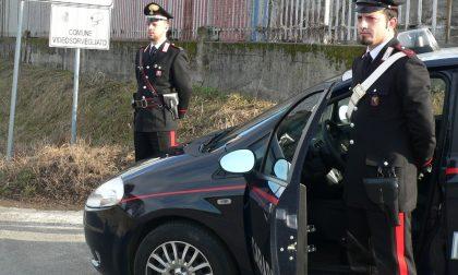 Nonna Caterina becca la scippatrice e la consegna ai carabinieri IL VIDEO