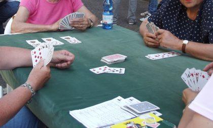 Si può tornare a giocare a carte