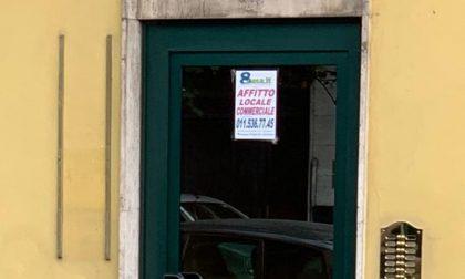 I vandali colpiscono la sede della Lega a Chivasso