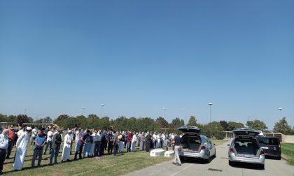 A Torino il funerale delle due sorelline schiacciate da un albero
