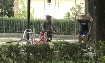 Il parco nelle mani degli adolescenti: giostre vietate ai bambini più piccoli