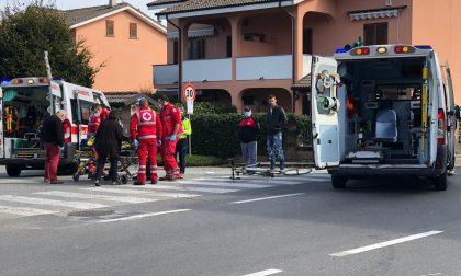Scontro tra auto e bici sulla 590 a Cavagnolo: ciclista ferito