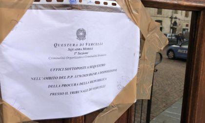 False cittadinanze, sigilli agli Uffici municipali di Crescentino