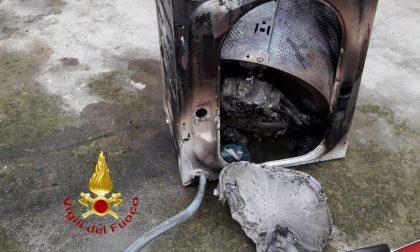 Brucia una lavatrice, arrivano i Vigili del Fuoco