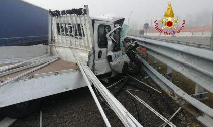 Automobilisti attenzione, incidente sull'autostrada A4 Torino-Milano