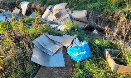 Area Chind, troppi rifiuti nel piazzale