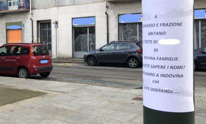 "Cartelli choc in centro a Chivasso: caccia ai ""rovinafamiglie"""