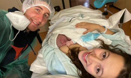 Ha fretta di nascere e la mamma partorisce in casa: è accaduto a Caluso