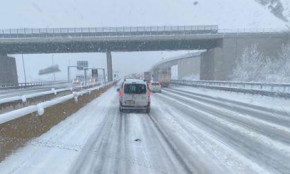 A4 e A21, code e rallentamenti a causa della neve