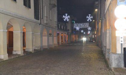 Il Comune spende 12 mila euro per le illuminazioni natalizie: è polemica
