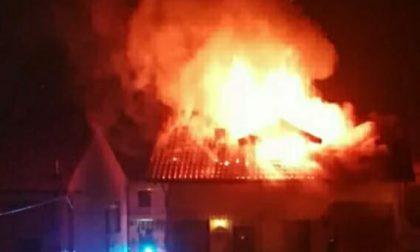 Incendio distrugge una mansarda a Brandizzo
