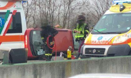 Incidente sull'autostrada A4 Torino Milano tra Chivasso Centro e Ovest: traffico in tilt LE FOTO