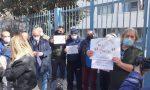 Protesta delle partite Iva fuori dall'agenzia delle Entrate