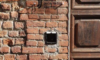 Rubato il citofono dello Juventus Club