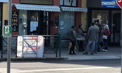 Aperitivo disobbediente a La Torteria, i VIDEO della protesta