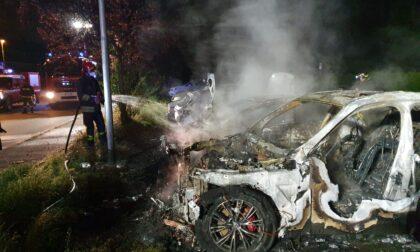 Secondo incendio auto a Brandizzo, è caccia al piromane LE FOTO
