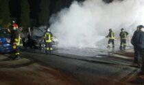 Incendio a Brandizzo, distrutti due camper e un'auto I VIDEO