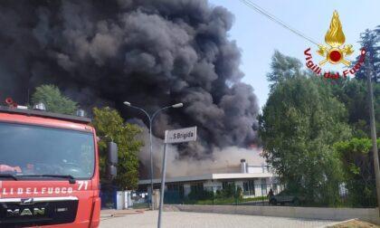 Incendio in fabbrica di vernici spray
