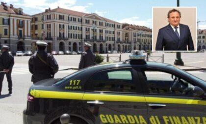 La Finanza arresta l'ex sindaco e la sua compagna (segretaria comunale)
