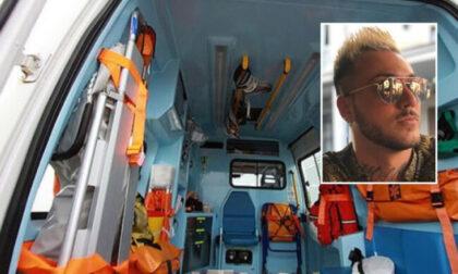 Giovane muore in un incidente d'auto, gravi tre amici