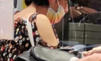 Sul treno con la mascherina messa male, Polfer fa scendere Rosanna Spatari