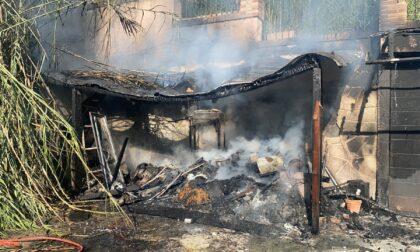 Incendio tettoia, indagini in corso LE FOTO