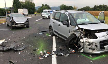 Maxi incidente all'incrocio sulla provinciale LE FOTO