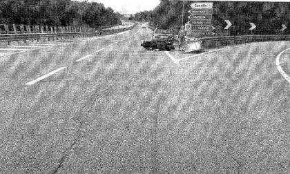 Auto contro scooter, il motociclista cerca testimoni