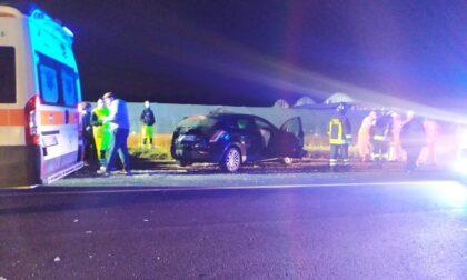 Scontro tra due auto sulla statale, tra i feriti una donna in gravidanza LE FOTO
