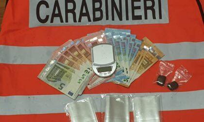 Giovane di Crescentino trovato con hashish e 520 euro